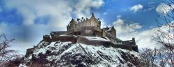 edinburgh_castle_in_winter_by_heresjohnny999-d5n6ort